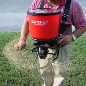 PROFESSIONAL HAND CRANK BROADCAST SPREADER